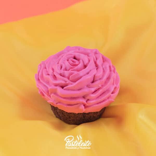 Cupcakes-chocolate-rosa-roja