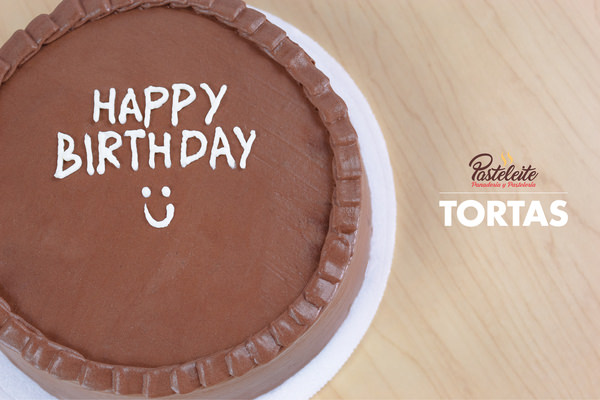 Tortas con mensaje Happy Birthday
