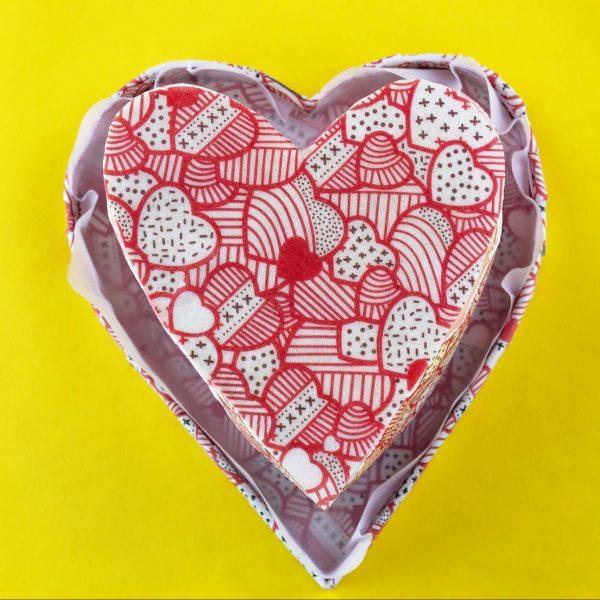 Torta de Corazón decorada con papel comestible
